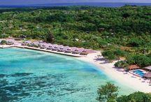 Breakas Beach Resort, Vanuatu / Asia Pacific Island Escapes - Travel Vanuatu Deluxe