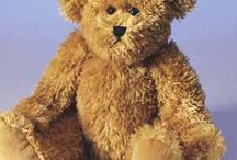 Morris Bear / A classic embroidable bear with a vintage feel.