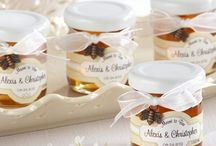 Honey & Jam - Personalized  Eatable Favors / Send all your guests home with a sweet honey or jam treat.