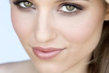 Makeup / by Hannah Maier