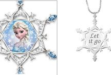 Disney Movies Crafts and Collectibles / Disney's gifts from all of your favorite movies. Finding Dory, Frozen, Mickey, Disney movies, Disney craft ideas and collectibles.