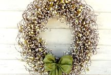 Winter Front Door Decor / These ideas are great for Christmas and will last through the winter.