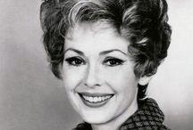 Barbara Rush / Barbara Rush (born January 4, 1927) is an American Golden Globe Award-winning movie and television actress.