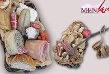 Arte presepiale napoletana / Menart realizza presepe napoletani, cestini in cera, accessori per presepi, pastori 700 napoletano, e statuine per presepe.