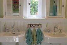 Beautiful Baths / by Robin Griswold