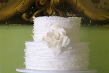weddings...let them eat cake... / beautiful wedding cakes and dessert tablescapes / by Debbie Young