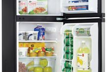 Mini Fridge Buying Guides / Your one stop resource library with a lot of useful information to help you make the best decision in choosing your mini fridges!