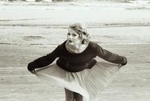Taylor Swift in Black & White