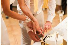 Wedding Cake Cutting | Jurgita Lukos Photography / Wedding Cake Cutting from weddings as photographed by Jurgita Lukos www.jurgitalukos.com #CakeCutting #WeddingCake #TortoPjovimas #Tortas #Vestuves #VestuviuFotografas