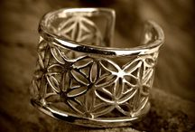 Flower of Life Jewelry / Flower of Life Jewelry creations by the artist David Weitzman and by selected artists.
