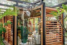 Tiny house με περσίδες -θερμοκηπιο