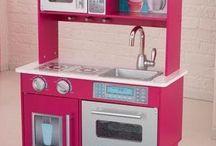 Kidkraft keuken Gracie inclusief kookset, toasterset en bakset voor de totaalprijs van € 163,50. Alleen verkrijgbaar in de winkel. Het is de laatste dus op=op!!! / Gracie Kidkraft keuken incl. Accessoires