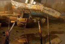 Ships Boats & Shipwrecks