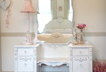 Pretty little rooms