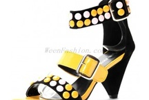 High Heel Sandals / by Weenfashion.com