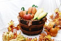 Thanksgiving Cake Inspiration / Get inspired by the best of the CakeCentral.com galleries to make a Thanksgiving cake.