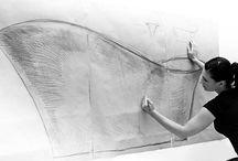 Öntöttmárvány - Marmorin / Marble - Marmorin / Mit kell tudnunk az öntöttmárványról, mint anyagról: mióta létezik, hogyan, miként gyártják ezt az innovatív, ám már évek óta bevált és népszerű szaniter alapanyagot?  35 éve gyártja már a Marmorin ezt az anyagot, mely időről időre folyamatosan változik, jobbá és még jobbá alakul, változik az anyag.  Elsőként a porcelán, mint napjainkban is jól ismert mosdó alapanyag jelent meg a piacon, majd őt követte az üvegmosdó, majd jött korunk vívmánya, az öntöttmárvány mosdó!