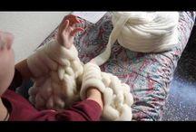 tejer con la mano