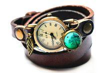 Wickeluhren / wrap watches / Ausgefallene Wickelarmbanduhren aus Leder für Damen im Vintage Style von Polarkind Design. jede Wickeluhr ist individualisierbar. Unique wrap leather watches