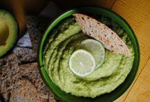 Aguacates / Una colección de deliciosas recetas con aguacate. / by Mama Latina Tips