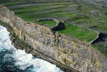 冒険心をくすぐる風光明媚!世界で最も美しい絶景の島12選 / アイルランドのアラン諸島