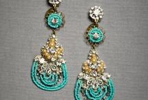 Wedding Accessories We Love / Wedding Day Accessories