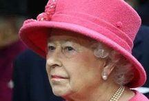 The Queen rocks!