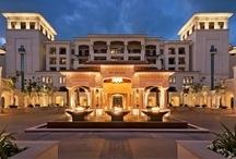 Abu Dhabi / Abu Dhabi - faszinierende Hauptstadt der Vereinigten Arabischen Emirate. Vom Strandurlaub über Kulturreisen bis zum Golfurlaub - Abu Dhabi ist das perfekte Ziel für einen Kurzurlaub.