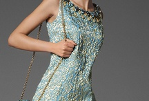 Dresses ~ That Dazzle / by Donna Weisse