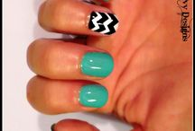 Nails teal and black chevron