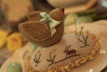 Pin cushions / by Naomi Nieser-Allen