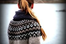 Riddari genser / Samme genser, forskjellige farger