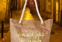 """Rope-handled bag / Going on holiday? Why not take our very unusual and quirky rope-handled bag with """"Ce n'est pas de papier"""" logo? #tyvekbag #totebag #holidayag #newfashion"""