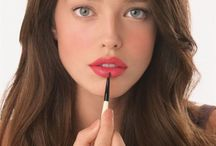 Emily diDonato with only lipstick on she is naturally beautiful