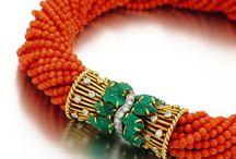 accesories / by Brissa A. Sandoval