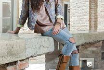 Fashion / Abbinare colori, mescolare stili, non cedere alla banalità dei capi di stagione ma giocare con i vestiti e le scarpe che si sono accumulati negli anni