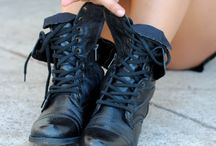 Zapatos / by Ro Espinosa