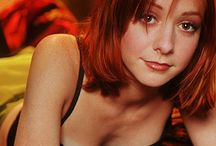 Alyson Hannigan / Actress Known For: Buffy the Vampire Slayer; American Pie; How I Met Your Mother