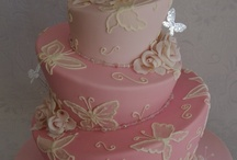 CAKE I love CAKE / by Tammy Onan Brooks