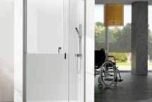 Serie Komfor / Mamparas de ducha/baño Serie Komfor para acceso a personas de movilidad reducida.