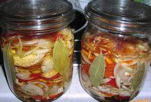 Zavařeniny/nakládáné potraviny / Nakládáme, zavařujeme, sterilujeme ovoce, zeleninu, sýry, maso
