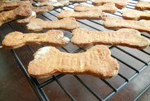 ihomemade dog treats / by Valarie Villanueva