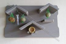 Vogelhuisjes en voedertafels / Bij YamBee-Meubelen denk wij ook aan de buitendieren, in onze webshop vind u dan ook een leuke assortiment aan vogelhuisjes, voerdertafels en borden. Bezoek onze webshop www.yambee.nl voor meer leuke dier meubelen!
