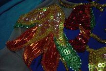 Artes e outros. / bonecas de pano,bordados com pedrarias,decoração,lembrancinhas,telas,chinelos...e outros.