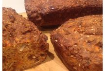 Paleo carrot bread / by Valérie Laventure