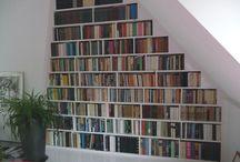Boekenkast onder trap