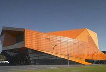 Edifícios culturais / Pasta dedicada aos prédios e centros culturais ao redor do mundo.