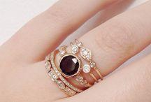 Hand rings