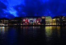 The Art of Attentivess - Amburgo / Un grande progetto di Swiss dedicato all'attenzione tra le persone, con una serie di spettacolari installazioni luminose nelle principali città europee