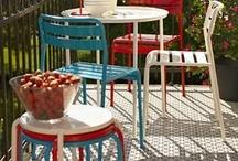 Terrazas de diseño / Con el buen tiempo siempre apetece estar en una terraza disfrutando del sol y que me mejor que hacerlo en #sillas y #mobiliario de #diseño